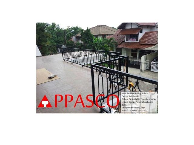 railing balkon lantai dua rumah tingkat
