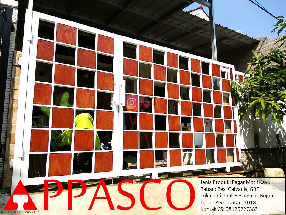 Pagar Motif Kayu Kotak Bolong Bolong Besi Galvanis dan GRC di Cilebut Residence Bogor