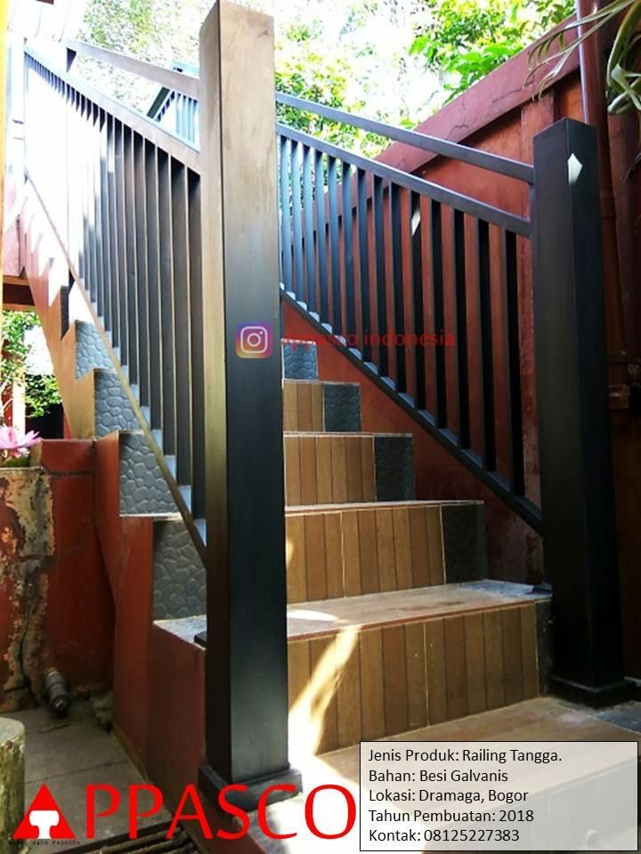 Railing Tangga Outdoor Minimalis Modern Besi Galvanis